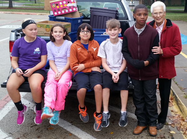 Butler Elementary School students donated 650 pounds of food through Mission Arlington to families in need for Thanksgiving.