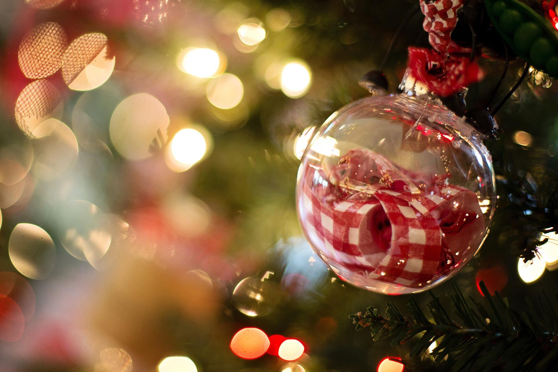 christmas-ornament-1042544_1920